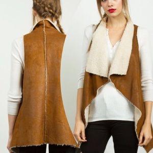 tla2 Jackets & Blazers - 💥HOST PICK 2/22💥FAUX SHEARLING & SUEDE VEST