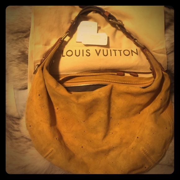 2582142a1224d Louis Vuitton Handbags - Louis Vuitton Priced to sell ! 🎉🔥 HURRY ON EBAY