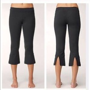 Lululemon Black Capri Yoga Pants