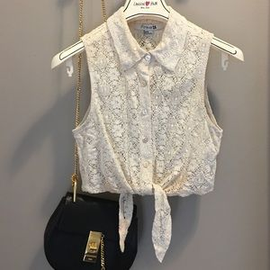 Forever 21 Tops - Forever 22 lace crop top