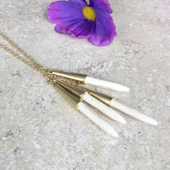 Hwl boutique Jewelry - Bohemian necklace!
