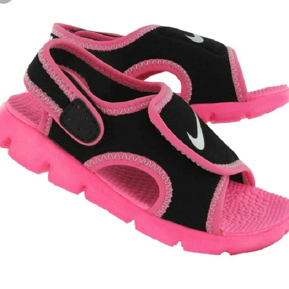 8acea08eceb76c Nike Sunray Toddler Girls Sandals. M 57f842426d64bc54b3031520
