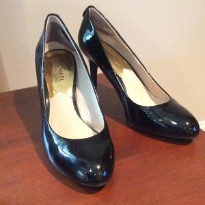 Michael Kors Shoes - Michael Kors patent pump - black