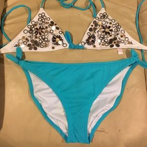Classic VS bikini