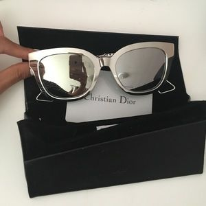 bb84eada9dbe Dior Accessories - Diorama 1 Silver Reflective Sunglasses