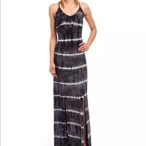 Joe & Elle Dresses & Skirts - NWT Joe & Elle Black & Gray Tie Dye Maxi Dress