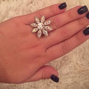 Jewelry - Bling flower ring