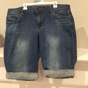 Calvin Klein Jeans Pants - Calvin Klein Denim Bermuda Short - Size 32/14