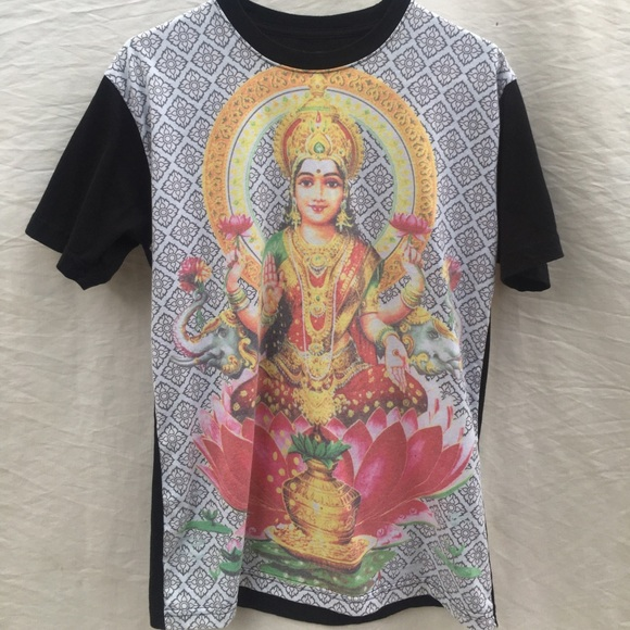 dd10000d Urban Outfitters Tops | Cooke Collective Hindu Lotus Flower Graphic ...