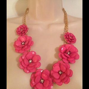 Jewelry - Pink rhinestone necklace