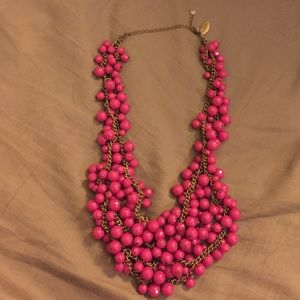 Jewelry - Pink bead necklace