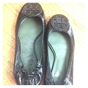 Authentic Tory Burch Reva flats.