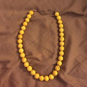 Jewelry - Yellow beaded necklace