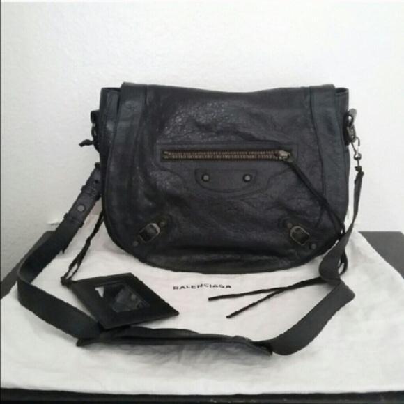 525f0742ee4d Balenciaga Handbags - Balenciaga neo folk messenger in classic black
