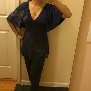 Guess long tunic.  Butterfly sleeves  like new.