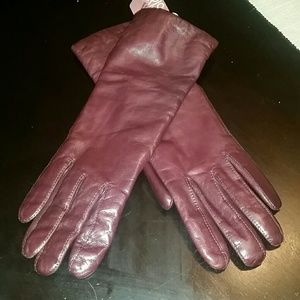Aris Accessories - NWT women's brown leather gloves