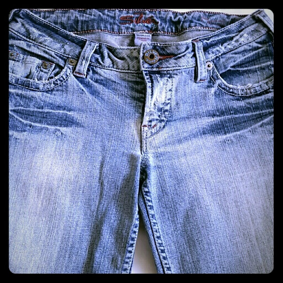 33% off Silver Jeans Denim - *$5 off* Size 28 Silver jeans *B2G1 ...