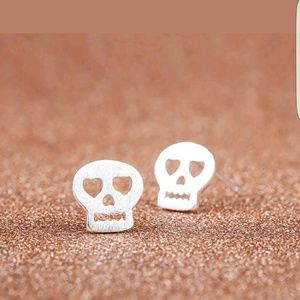 Jewelry - New silver plated skull stud earrings
