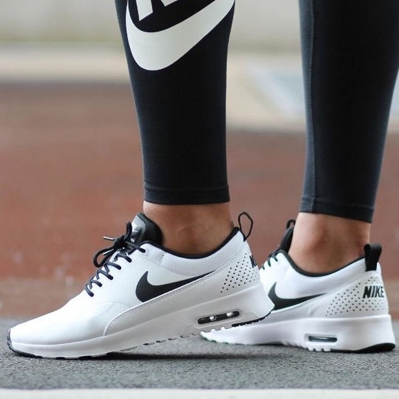 Women's Nike Air Max Thea Sneakers NWT