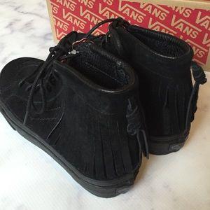 385da9cfc2 Vans Shoes - 🎉Flash Sale🎉VANs NWB SK-8 Hi Suede Moccasin