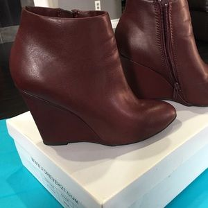 Forever 21 booties in wine color size 6