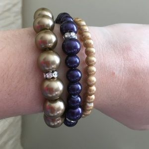 Jewelry - 3 Set of Pearl Bracelets.