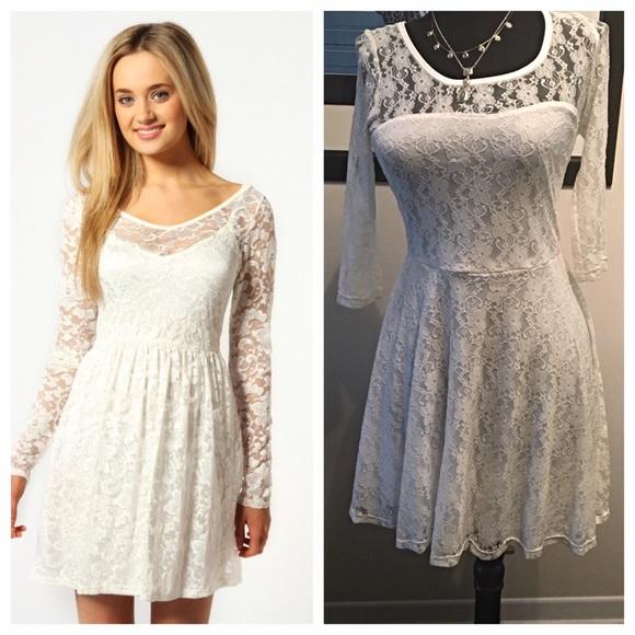 338e600bbd White Lace Skater Dress. M 57ede01d78b31c4ddb0200fe