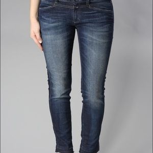Closed Cut Off Star Jeans