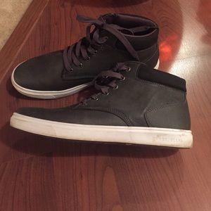 Perry Ellis Shoes - 🎉Reduced🎉Mens High Top Sneakers. c80b1ef85