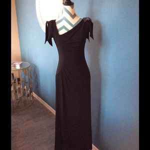 David Meister Black Gown, SZ 2