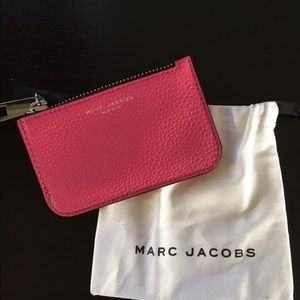 Marc Jacobs Handbags - Marc Jacobs Gotham leather pouch