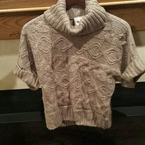Pink Rose Sweaters - Gorgeous short sleeve sweater
