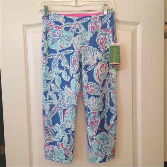 65a8ca4193dc7 Lilly Pulitzer Luxletic Crop Capri Yoga Pants. M_57e34ec8620ff754ec020442