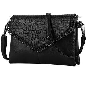 Handbags - Vintage Small Black Alligator Chain Crossbody Bag