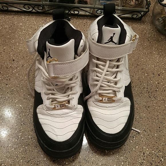 c576d630eae59e Jordan Shoes - white and gold leather.black vans converse