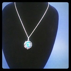 Jewelry - Aromatherapy diffuser locket necklace fragrance