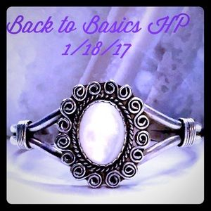 Vintage Jewelry - 🎀Vintage Navajo Mother of Pearl Sterling Bracelet