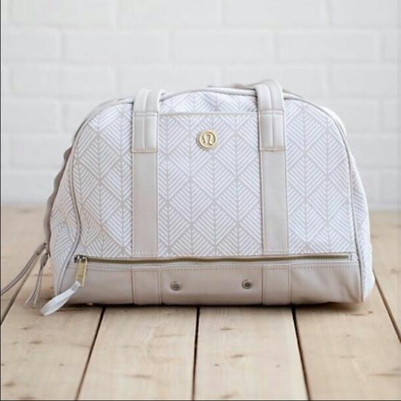 NWT Lululemon OM for All Bag 5883c0624a500