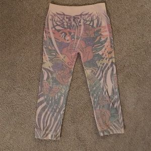Ed Hardy Calf length leggings. Stretch to fit 0-10