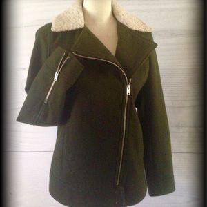 Warm wool jacket. Dark Olive/Army green
