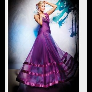 Tony Bowls Dresses & Skirts - Dramatic Purple Ballgown 💜💃🏼