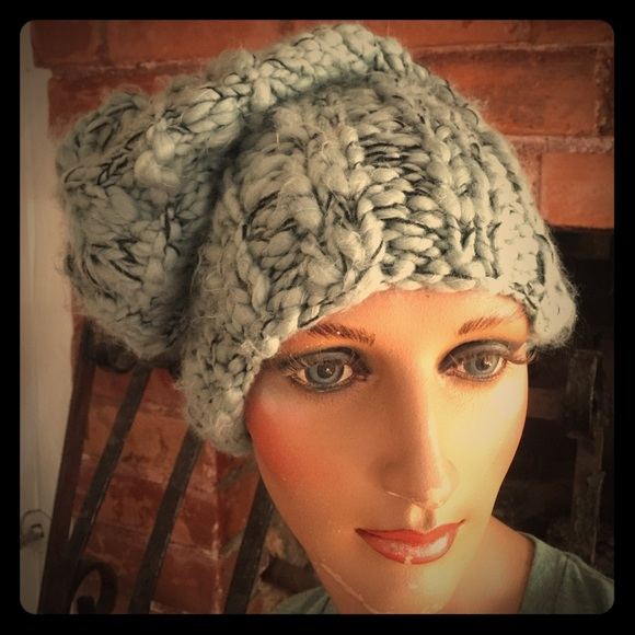 c9843c7f0ef05 Free People Accessories - Free People slouch hat~