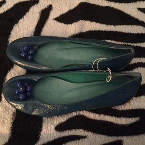 Old Navy Glossy Turquoise Flats Size 7 NWT