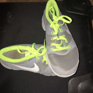 ****REDUCED***Nike running shoes. Size 6.5 women's