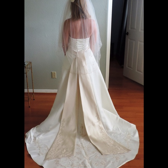 David's Bridal Dress Slit in Front