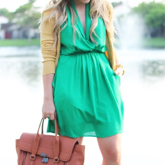 Collective Concepts Dresses - SALE🎉 Kelly Green Sleeveless Dress With Tie Waist