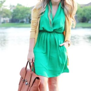 SALE🎉 Kelly Green Sleeveless Dress With Tie Waist