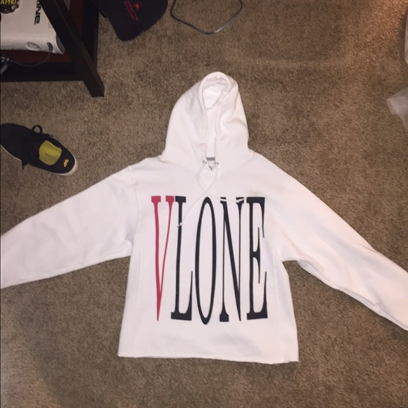 תוצאת תמונה עבור Vlone Logo white Staple Hoodie