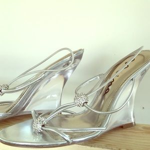 Nina Shoes - 💖beautiful silver and diamond wedge strapy sandal