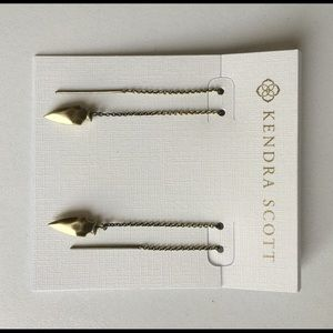 Kendra Scott Kimmel Threaded Earrings in Brass